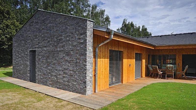 Moderní dřevostavba v pasivním standardu čtyřčlenné rodině zcela vyhovuje