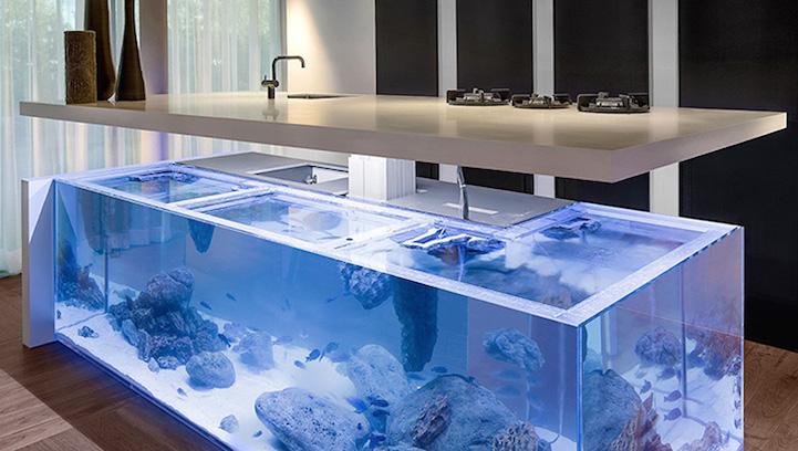Moderní kuchyně s akváriem