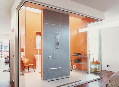 9 neobvyklých moderních koupelen